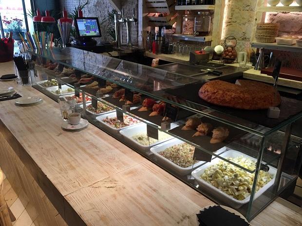 vitrinas-movilfrit-restaurante-casa-lola-via-laietana-barcelona-v7