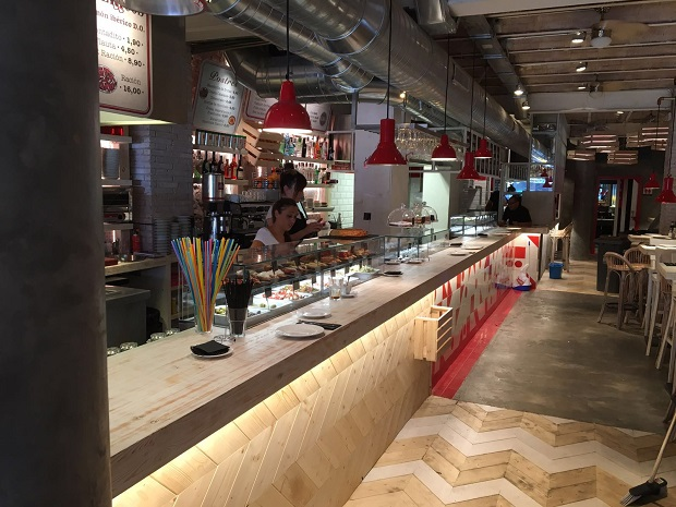 vitrinas-movilfrit-restaurante-casa-lola-via-laietana-barcelona-v8