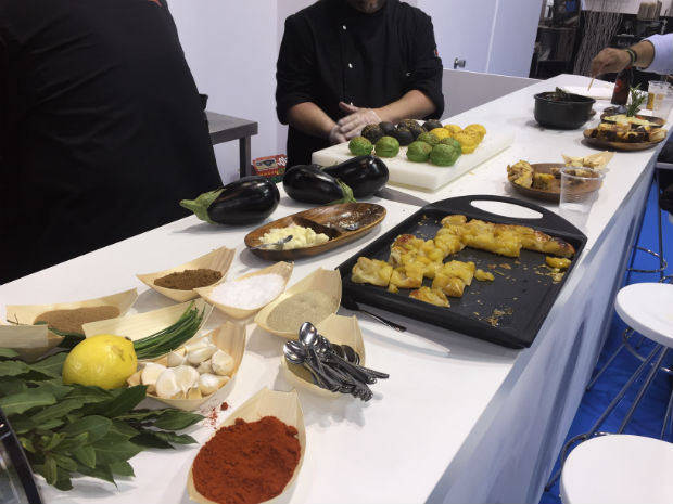 movilfrit-hostelco-dia2-showcooking-chefs-3