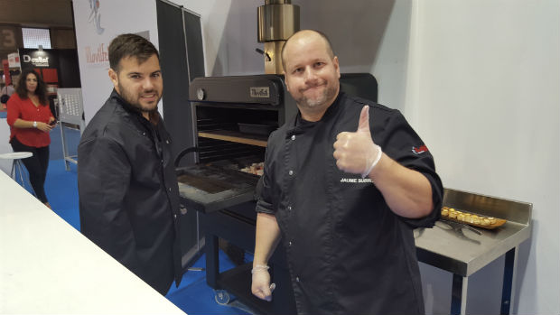 movilfrit-hostelco-dia3-showcooking-hornos-brasa-chefs